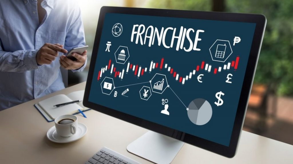 Lebih untung mana membuka bisnis sendiri atau bergabung dengan bisnis franchise